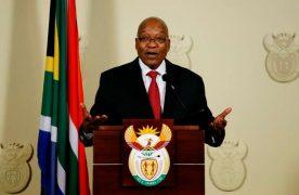 Après des semaines de tractations et de réunions, le chef de l'Etat, empêtré dans des scandales de corruption, a finalement cédé auxpressions de son parti, l'ANC.
