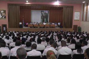 Congo-Brazzaville : Sassou kidnappe 200 étudiants congolais à Cuba pour une destination inconnue.