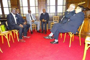 Sur cette image le President de L'Alliance Social-Democrate du Congo  Membre de l'Alliance Progressiste d'Afrique Centrale (APAC)  Membre de l'International Socialiste,  Ancien Ministre de la République Bonaventure MBAYA Président de la Convergence citoyenne